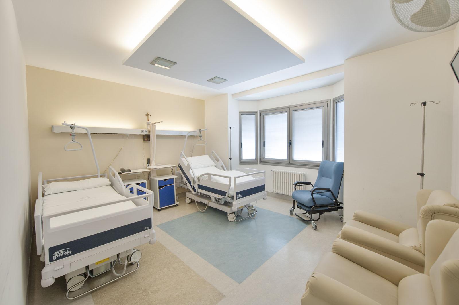 habitaciones-centro-medico-el-carmen-01